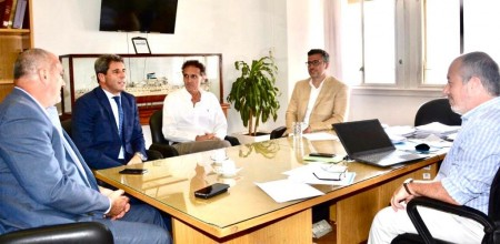 Uñac se reunió con el ministro Katopodis y el titular de ENOHSA