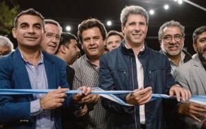 Uñac inauguró obras de pavimento, iluminación y un nuevo portal para Chimbas
