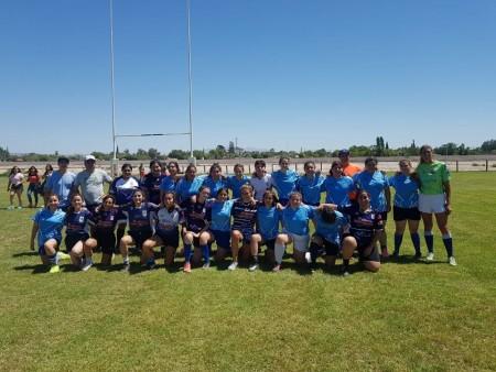 Partido de rugby femenino en San Juan.