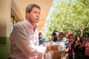 """Uñac, tras emitir su voto: """"Tenemos la gran oportunidad de poder mirar qué necesitan los argentinos"""""""