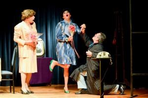 """La desopilante comedia """"Se me murió entre los brazos"""", en el Teatro del Bicentenario"""