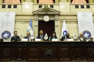 Walberto Allende asumió como presidente del Parlamento por la Tolerancia y por la Paz