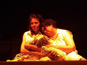 Vestido de Verano, una obra de teatro que sube a escena en el TB