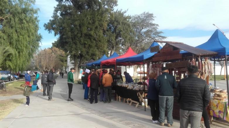 Exitosa visita en San Martín del camión que traslada productos sanjuaninos
