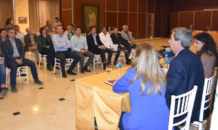 Reunión con autoridades municipales por el Proyecto de Ley de Responsabilidad Fiscal