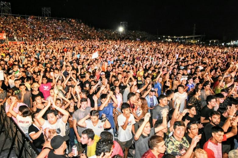 La cumbia, el cuarteto y el folclore atrajeron a 70 mil personas  a la FNS