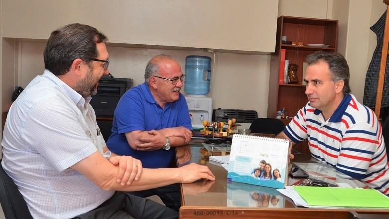 Doctores Jorge Serer, Gustavo Ortíz y Mauricio Lirussi, responsables de la creación del nuevo Centro de Alta Complejidad