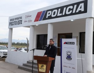 Uñac inauguró en Pocito una unidad operativa policial y la ampliación de servicios del hospital