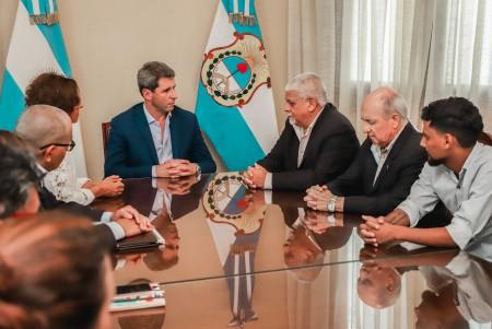 El gobernador Uñac se reunió con los integrantes del Frente Grande