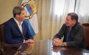 El titular de la Federación de Peones de Taxi valoró las políticas de Uñac en favor de los trabajadores