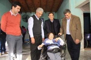 Una silla de ruedas para mejorar la calidad de vida de Amanda