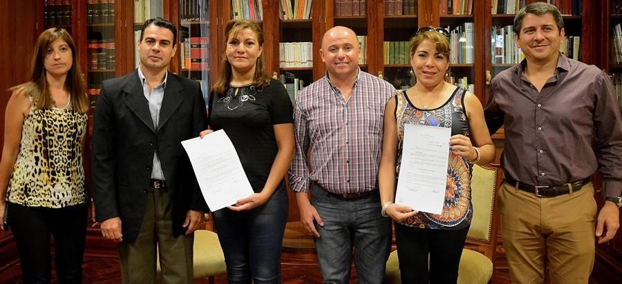 """Familiares del """"Chino"""" Saldaño presentes en Casa de Gobierno"""