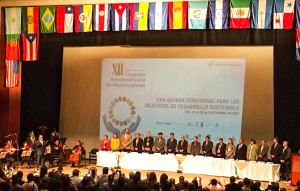 Uñac presenta San Juan 2030 en el XII Congreso Iberoamericano de Municipalistas