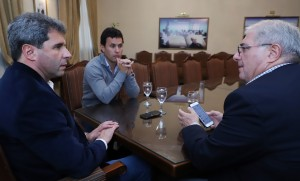 El gobernador Uñac recibió a dirigentes nacionales de handball y patín