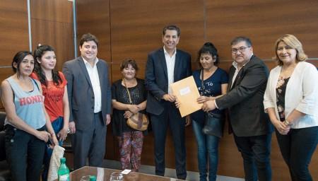 Entregaron matrículas nacionales a cooperativas de Rawson y Albardón