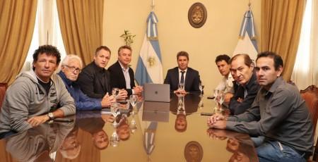 Importantes dirigentes del ciclismo visitaron al gobernador Uñac