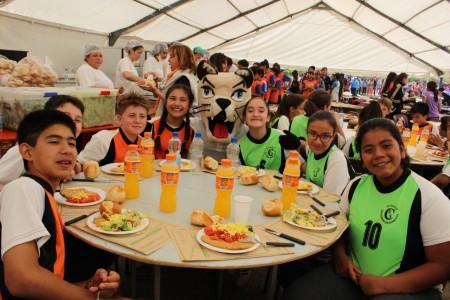Más de 4500 chicos vivieron la 1ª jornada de los Juegos Intercolegiales