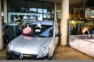 Caja de Acción Social entregó 3 autos 0Km