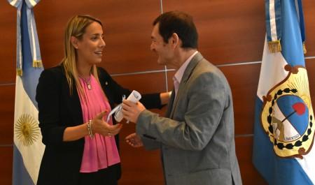 Fabiola Aubone puso en funciónes al nuevo secretario de Relaciones Institucionales