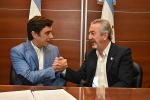 Baistrocchi firmó un acuerdo para capacitar a la Policía en criminalística