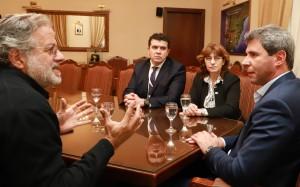 El gobernador Uñac recibió saludos de referentes nacionales de terapia intensiva
