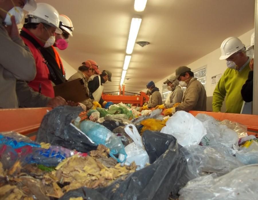 Ambiente pone a la venta materiales recuperados del PTA