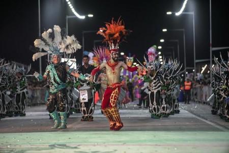 Multitudinaria segunda noche del Carnaval de Chimbas con la presencia del gobernador Uñac