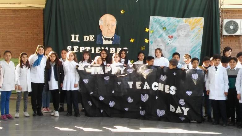 Estudiantes de Rawson y Pocito recordaron la obra del Padre del Aula