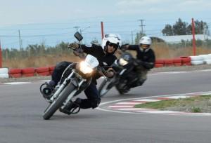 La policía recibió capacitación en seguridad vial y manejo de motocicletas