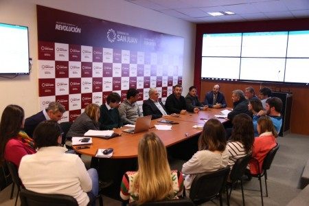 Reunión por el torneo internacional de handball que contará con los Gladiadores
