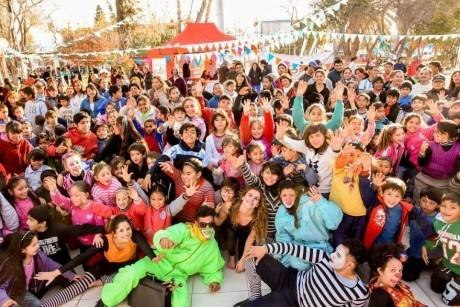 """""""El Circo"""" se instaló en Chimbas y convocó una multitud"""