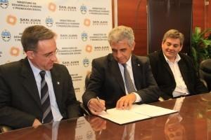 Firma de Acta Complementaria entre Desarrollo Humano y la U.C.C.