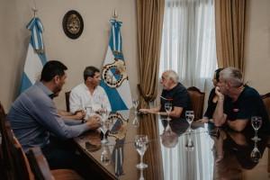 El gobernador Uñac recibió a dirigentes de UTA