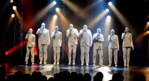 El público ovacionó el estreno The Voca People en el Teatro del Bicentenario