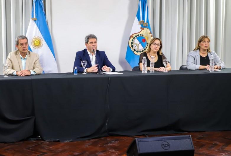 El gobernador Uñac anunció medidas provinciales para la prevención del coronavirus