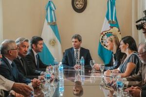 Uñac recibió a funcionarios de la IV Región de Chile