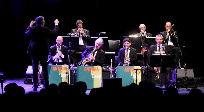 El mejor jazz negro se disfrutó en una atmósfera atrapante y vivaz en el TB