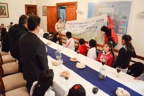 Almuerzo con Escuela Virginia Moreno de Parkes