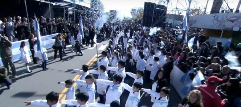 Educación innovó el texto de la proclama de Promesa a la Bandera